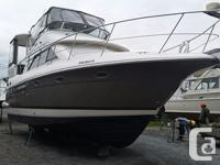 Description/Condition The Cruisers 3750 Motoryacht has