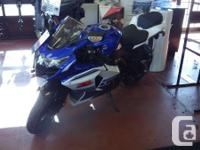 NEW 2016The more you look at the GSX-R1000, the more