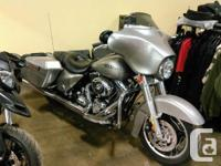 VANCE & HINES EXHAUST.With a slammed suspension and