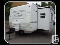 Description: This 2005 Flagstaff Lite Travel Trailer