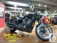 2015 Victory Hammer 8-BallPower down the street in