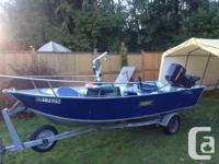 15' side console with strong 98 merc inline4 40hp and