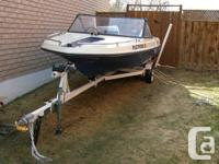Lovely 15 ft fiberglass powerboat, Made in Canada, 1975