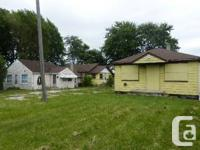 3 HOUSE ON ONE LOT SEARCHING FOR An INVESTOR WHO