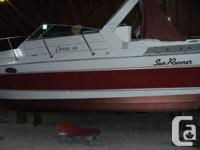 1988 Sun Runner Classic 318, boat has twin Merc 260's