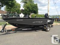 Pre-owned 2014 boat for sale - like new condition -