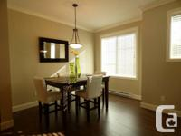 Good as brand-new stunning community home in an