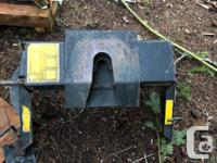 In good shape hijacker 5th wheel hitch. Coming off a