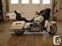 Great touring bike with V&H Big Oval Mufflers, S/E Air