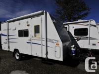 Great pre-owned hybrid trailer for sale! This pre-owned