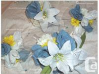 Brand new 17 piece wedding flower set comes with 7