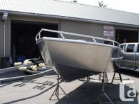 18' welded aluminum....this boat was built from a