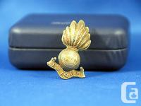 ROYAL CANADIAN UBIQUE CORPS HAT BADGE WORLD WAR II