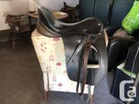 Brown 18 inch saddle. Beautiful craftsmanship. Would