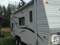 2007 Pioneer Travel Trailer in clean, mint condition.
