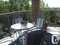 Luxury 9th floor condo overlooking Thames River -