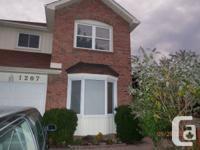 Oakville / Glen Abbey area linked home, 3 bedroom, 2