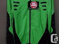 30% OFF MSRP LARGE SIZE GREEN COLOUR A hard wearing,