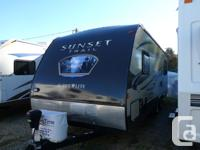 2014 CrossRoads RV Sunset Trail Super Lite ST240RE