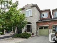 Overview Upscale & Stylish Townhome In Valley Of
