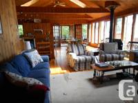Beautiful cottage on lake Pemichangan, Pointe Comfort