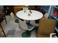 rare 1960s Saarinen-style tulip dining table and 5