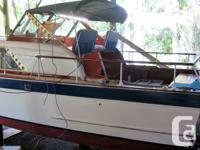 Beautifully refurbished 1962 28' Chris-Craft