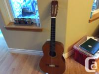 Excellent condition but needs a new string.Beautiful