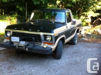 Make Ford Model Bronco Year 1978 Colour Black tan kms