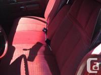 Make Ford Model LTD Year 1979 Colour burgundy kms
