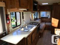 21 Foot AC Full Kitchen : Sink, Oven, Stove with Vent