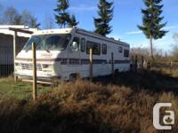 35' class a motor home in great running condition. 454