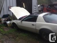 Make Pontiac Model Firebird Year 1988 Colour White kms