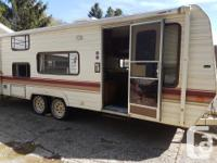 Great condition family travel trailer for sale.