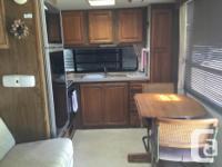 Nice trailer comfortable layout. 2 door access.