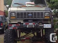 1989 Ford 4x4 van with 460 engine. 4 link front and