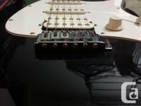 PEAVEY RAPTOR PLUS ELECTRIC GUITAR PACKAGE -- Peavey