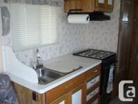 1990, 27ft Scamper 5th Wheel Trailer in good condition,