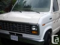 Make Ford Model E-350 Colour white Trans Automatic kms