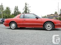 Make Oldsmobile Model Trofeo Year 1990 Colour Red kms