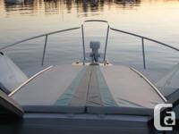 1991 Doral Log cabin Cruiser. 25.5 ft. Cabin Cruiser.