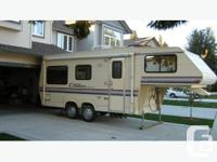 1991 Citation Supreme 24' 5th Wheel This RV is a must