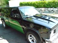 Make GMC Model Sonoma Year 1991 Colour Green/Black kms