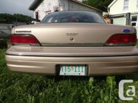 Make Ford Model Crown Victoria Year 1992 Colour gold