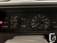 Make Nissan Model Sentra Year 1993 Colour Gray kms