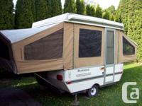 1993 Rockwood Tent Trailer sleeps 6 comes with 2 burner