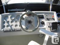 1993 Silverton 302 Sedan Cruiser Description: This