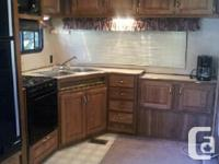 1994 - 27 Ft. Dutchman Fifth Wheel. New Roof and