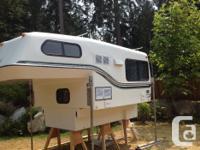 2 piece fibreglass 8ft camper fits short bed truck,