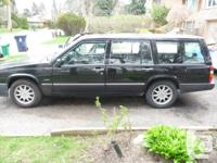 1995 VOLVO 940 Wagon. Parting out for parts, it has